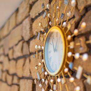 貸し切り別荘居間の時計